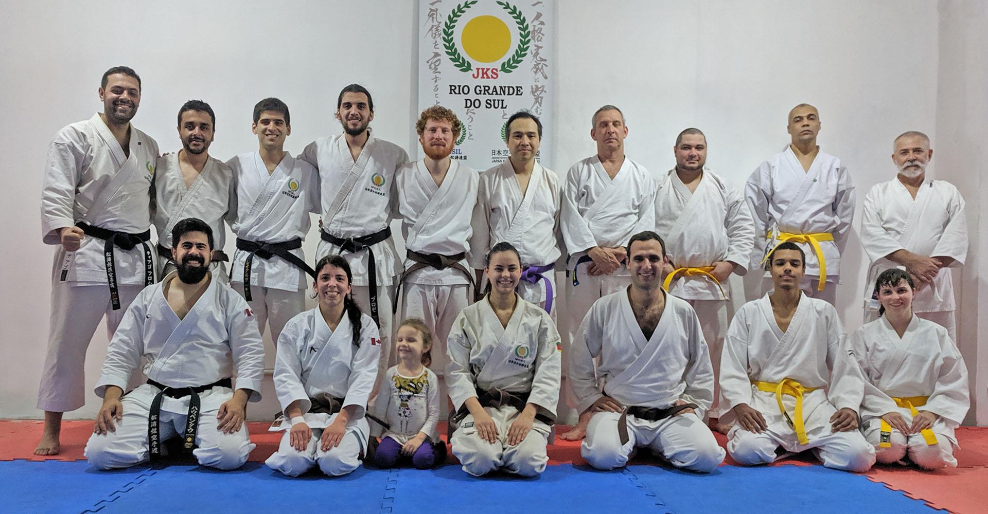 big group photo of the shinjigenkan memebers